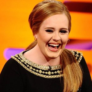 Adele-Laughing-adele-31520116-600-598